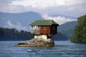 Архітектура без нудьги: найбільш чудернацькі будинки у світі