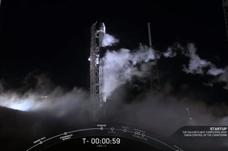 SpaceX вивела на орбіту корабель Dragon з вантажем для МКС