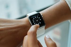Годинники Apple Watch почали підтримувати криптовалюту