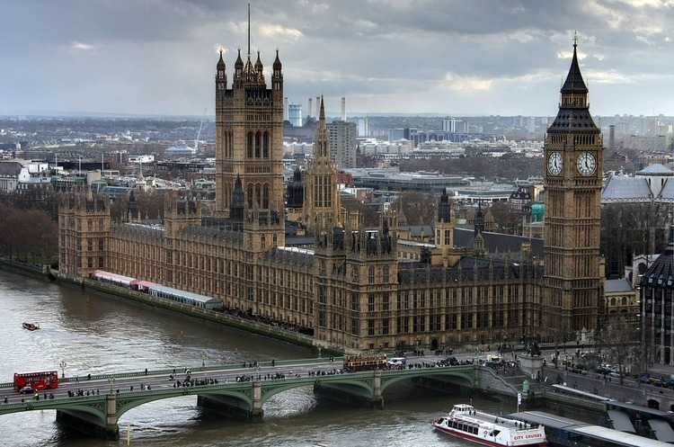 Британії доведеться брати участь у виборах до Європарламенту