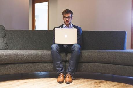 Без відриву від дивана: як найняти співробітників на віддалену роботу