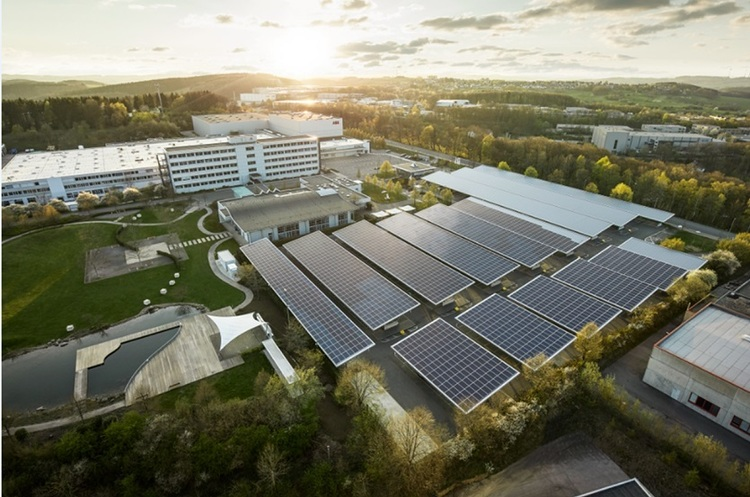 В Німеччині відкрили перший у світі завод, який не викидає в атмосферу СО2