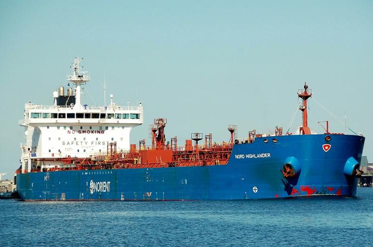 Одеський порт прийняв перший танкер з дизпаливом з Туреччини