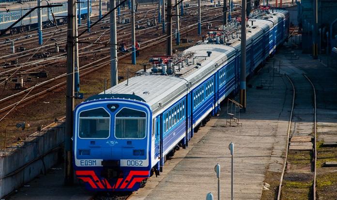 Кількість поїздок в ЄС залізницею вперше перевищила кількість поїздок в Росію – Омелян