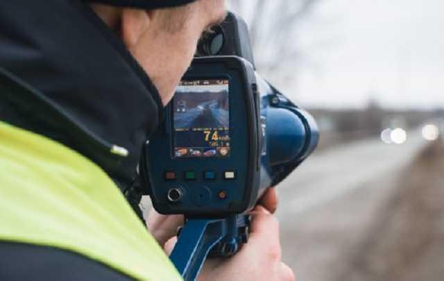 Поліція встановила на  дорогах України 25 нових приладів контролю швидкості TruCam
