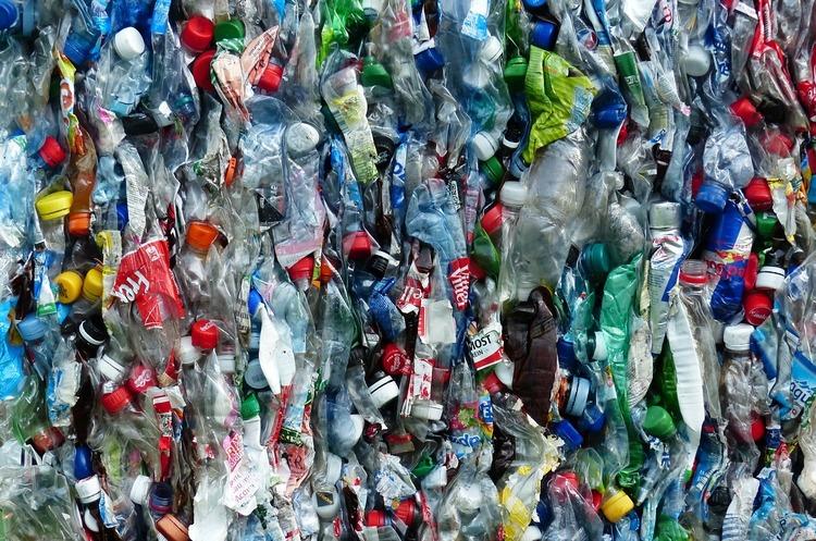 Понад 180 країн вирішили разом боротися з пластиковим сміттям