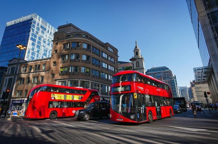 Водневі двоповерхові автобуси почнуть їздити вулицями Лондона у 2020 році