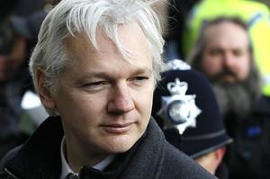 Шведська прокуратура відновлює розслідування проти Ассанжа у справі щодо зґвалтування