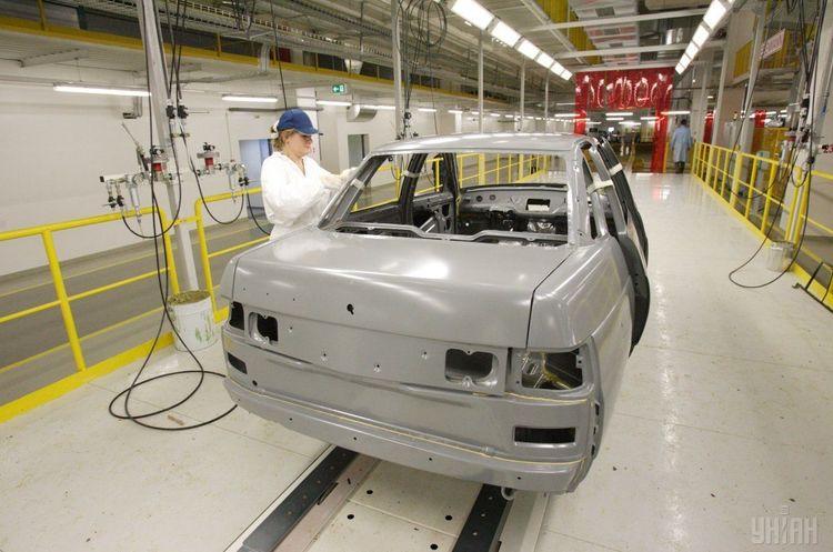 Український автопром обвалився у квітні на 80%