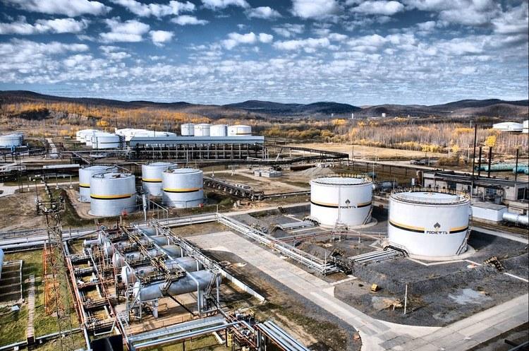 Через брудну нафту з РФ європейським НПЗ бракуватиме 250 000 барелів сировини на добу – МЕА