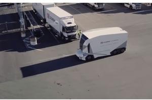 У Швеції безпілотна вантажівка пройшла тестування і почала розвозити вантажі