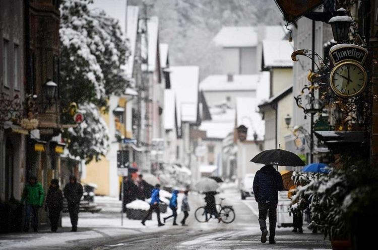 Південну Європу засипало снігом, в країнах вводять надзвичайний стан