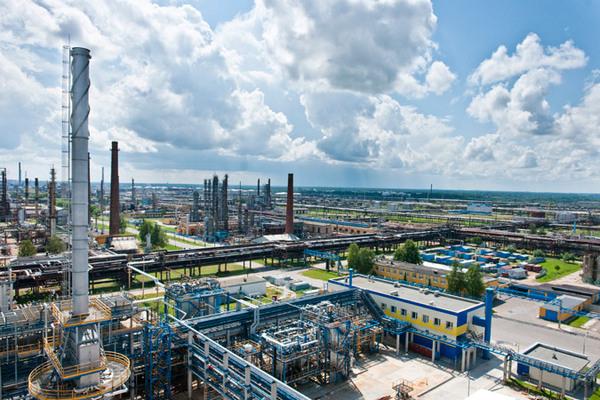 Білоруський оператор зупинив транзит нафти через Україну