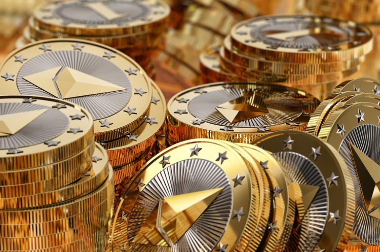 Криптовалюти стануть небезпечними, коли замінять депозити і кошти – ЄЦБ