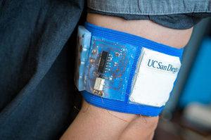 Опалення більше не потрібно: вчені розробили пристрій, який нагріває шкіру