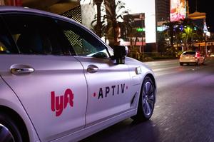 На сервіс таксі Lyft подали до суду за введення інвесторів в оману
