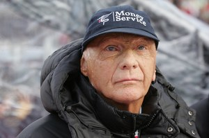 Пішов з життя легендарний гонщик Нікі Лауда
