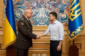 Зеленський звільнив Муженка і призначив нового начальника Генерального штабу