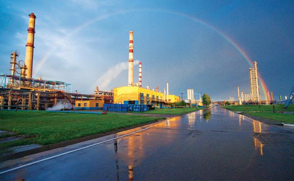 Білорусь зняла обмеження на експорт бензину та дизпалива в Україну