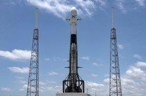 SpaceX відправила на орбіту перших 60 супутників для проекту Starlink