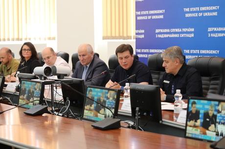 Штаб ДСНС зібрався на екстрене засідання через повені на Західній Україні
