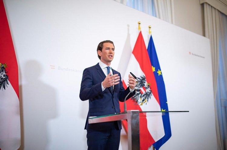 Парламент Австрії висловив недовіру уряду Курца, а самого канцлера відправив у відставку