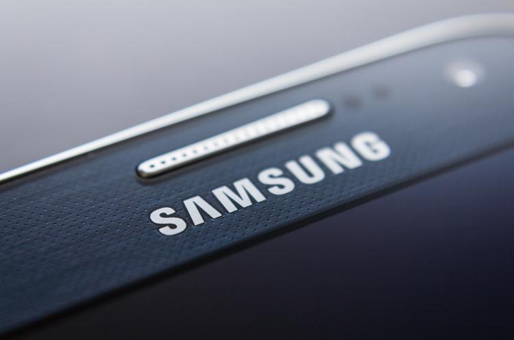 Від війни США з Huawei може виграти Samsung – Fitch