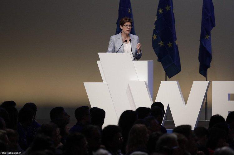 Меркель розчарована своєю потенційною наступницею – Bloomberg