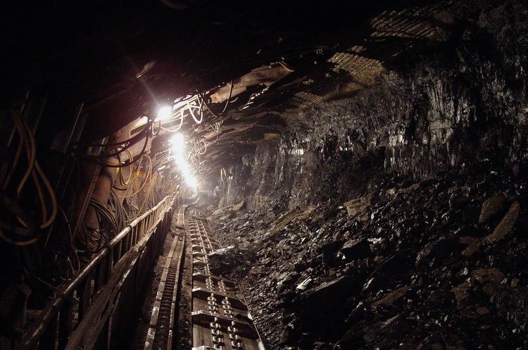 Зеленський: видобуток вугілля державними підприємствами України зменшився на 47%