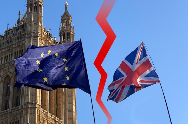 Трамп порадив Великобританії виходити з ЄС без угоди і не сплачувати штраф за Brexit