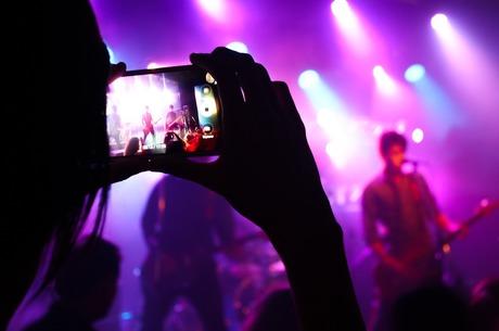Культурное перемирие: как разрешить конфликт кинематографистов и музыкантов из-за роялти