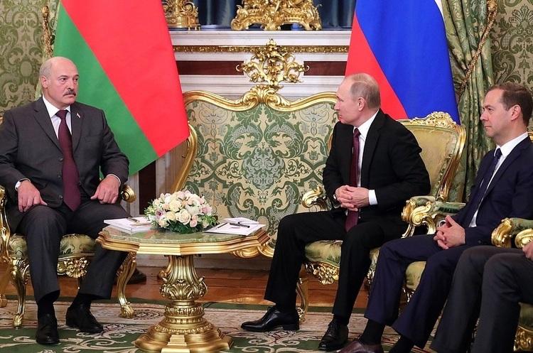 Білорусь і Росія обговорюють введення єдиної валюти
