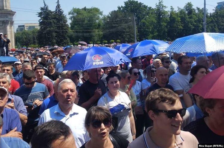 Виконувач обов'язків президента Молдови розпускає парламент