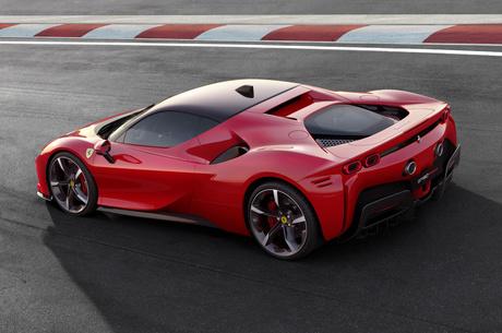 Презентація Ferrari SF90 Stradale: чотири мотори, передній привід і 1000 сил