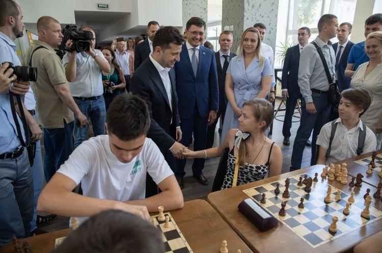 Зеленський пообіцяв донбаським підприємцям іноземні інвестиції