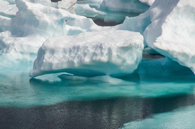 Кліматичний антирекорд: у Гренландії за добу розтануло 2 мільярди тонн льоду