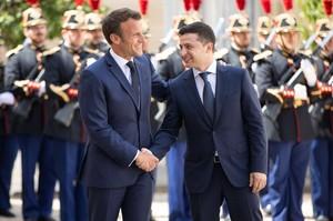 Франція підтримає Україну в діалозі з Росією - Макрон