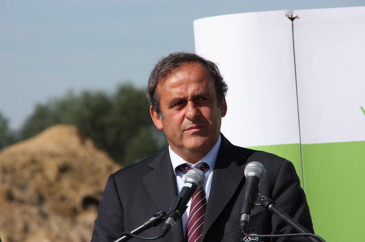 Екс-главу УЄФА Мішеля Платіні взяли під варту за підозрою у корупції