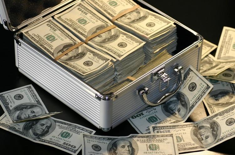Судові процеси навколо ПриватБанку та перерва у співпраці з МВФ загрожують фінансовій стабільності – звіт НБУ