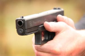 Влада Нової Зеландії планує викупити напівавтоматичну зброю у населення