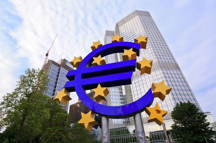 Європейський центральний банк може запустити ще одну велику програму скупівлі облігацій