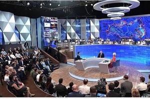«Ми втратили $50 млрд, Європа – $240 млрд»: Путін стверджує, що санкції пішли Росії на користь