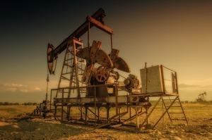 Нафта подорожчала до максимуму за 3 тижні через геополітику