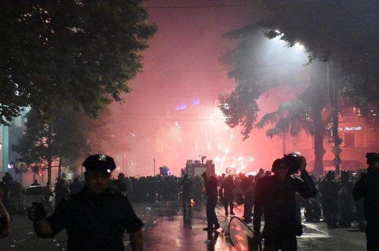 Виступ депутата Госдуми в парламенті Грузії став причиною масової акції з десятками постраждалих