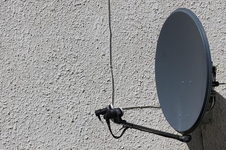 Кодування супутникового ТБ: коли і чому канали медіагруп стануть платними