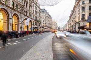 Microsoft відкриває в центрі Лондона свій флагманський магазин і кидає виклик Apple