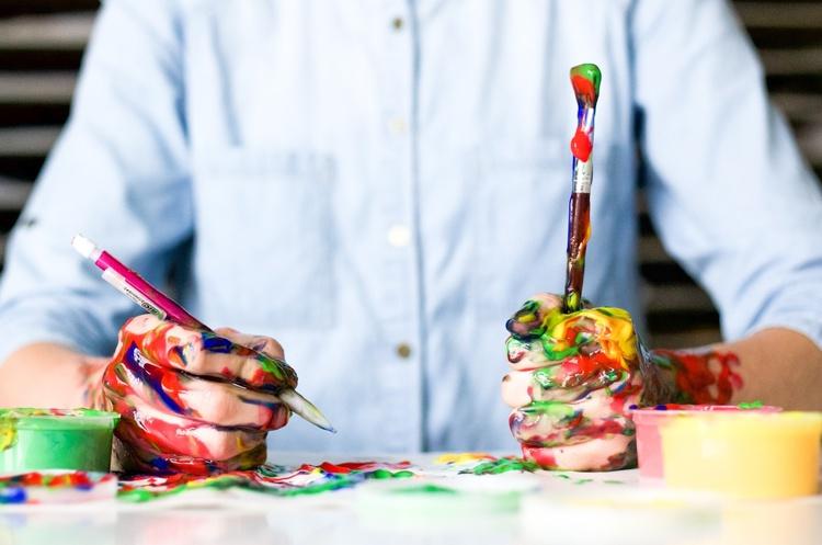 Цена искусства: как молодому художнику заработать на своих произведениях