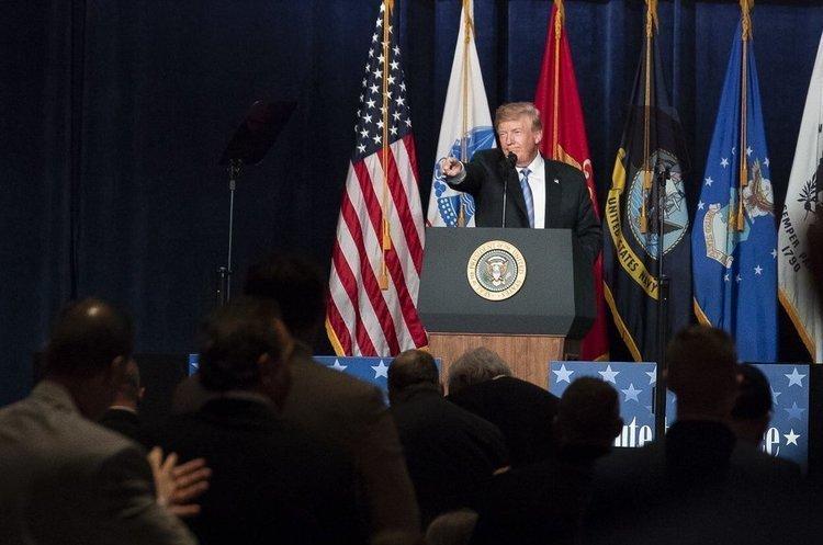 Гра з вогнем: Трамп знову пригрозив Тегерану ймовірним ударом