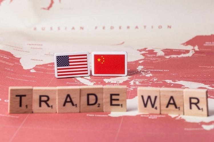 Трамп заявив, що будь-яка угода з КНР має бути дещо зміщена на користь США