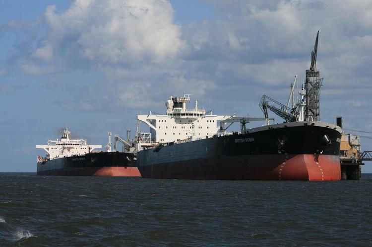 Іран погрожує захопити британський танкер